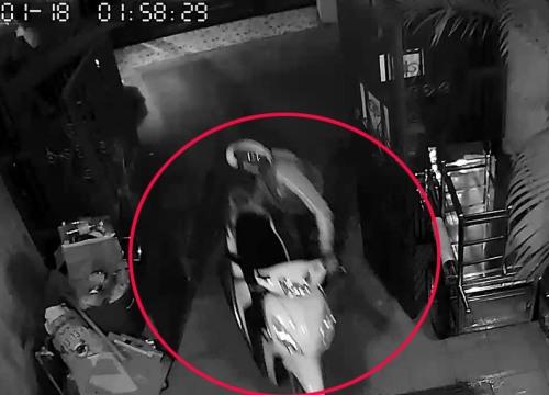 """Camera ghi hình nhóm """"đạo chích"""" 3 lần vào nhà trộm 3 xe máy"""