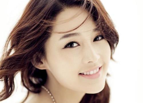 Top mỹ nhân Hoa ngữ đông fan nhất: Angela Baby vượt mặt Phạm Băng Băng
