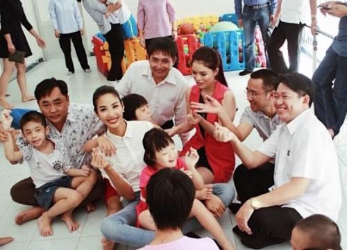 Hoàng Thùy giản dị đi từ thiện sau đăng quang Á hậu 1 HHHV Việt Nam 2017