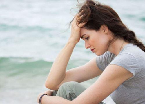 Chồng cầu cứu vợ giải quyết đống nợ 'tình phí' với gái trẻ