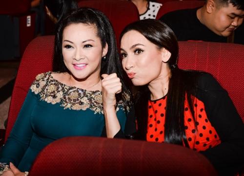 Như Quỳnh mời Phi Nhung song ca trong liveshow tại TP HCM