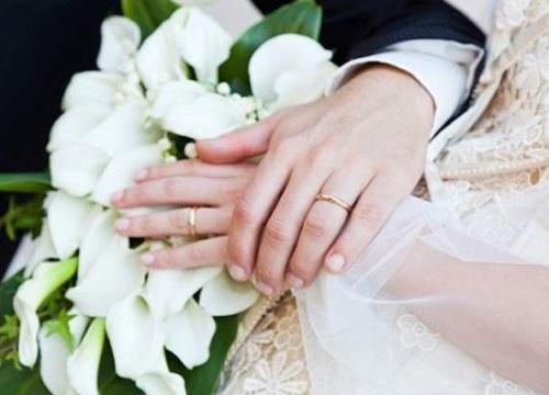 """Hôn nhân là """"mồ chôn"""" tình yêu?"""