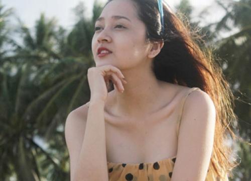 """Mải miết khoe vòng 1, mỹ nhân Việt để lộ """"sơ hở"""" giật mình"""