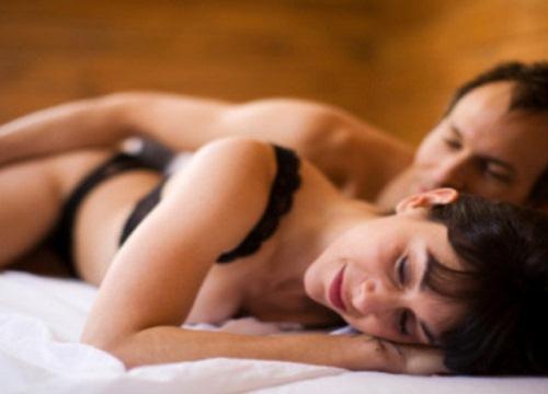 """Quan hệ tình dục thời điểm này cực dễ dính bầu """"yêu"""" là có thai"""