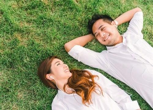 Vợ chồng chán nhau, cần làm gì để hâm nóng lại tình yêu?