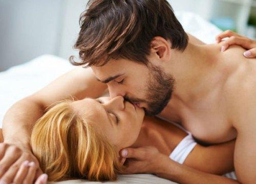 Đắng lòng vợ ngoan bí mật đi thăm chồng dịp Tết