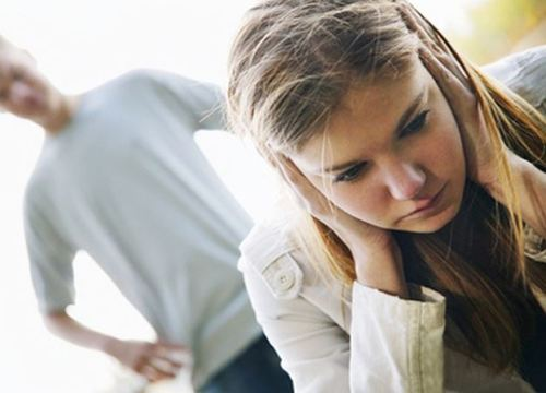 Chồng chết điếng nghe vợ trẻ giải thích lý do cặp bồ