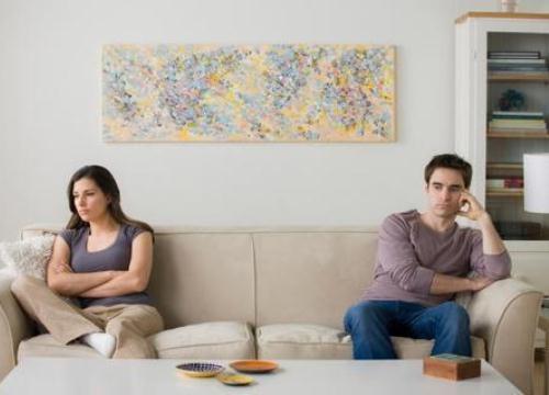 Lấy lý do nhà mới, vợ không về quê chồng ăn Tết