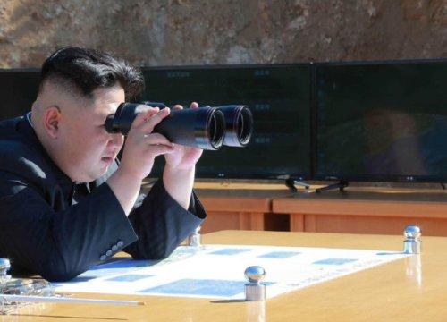"""Triều Tiên tuyên bố sẵn sàng """"đối thoại và chiến tranh"""" với Mỹ"""
