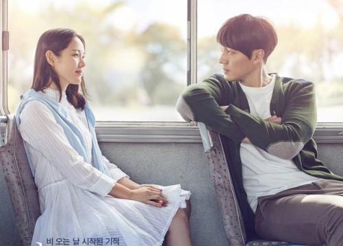 """""""Vợ chồng"""" So Ji Sub và Son Ye Jin trẻ đẹp ngỡ ngàng trong loạt poster và trailer phim"""