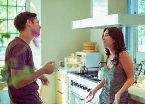 """Bố vợ vô duyên khiến con rể """"tỏ thái độ"""" vì thấy gia đình vợ với người cũ quá thân tình"""