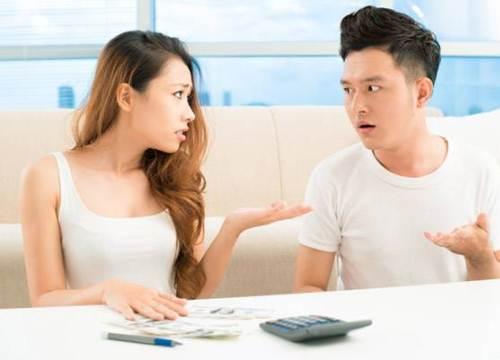 Cãi nhau tưng bừng vì vợ lo quà Tết bên nội bên ngoại... như nhau