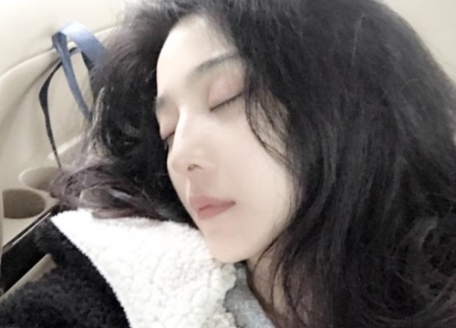 Đầu xuân, mỹ nhân Hoa ngữ đồng loạt đăng ảnh đẹp tự nhiên khiến fans mê mệt