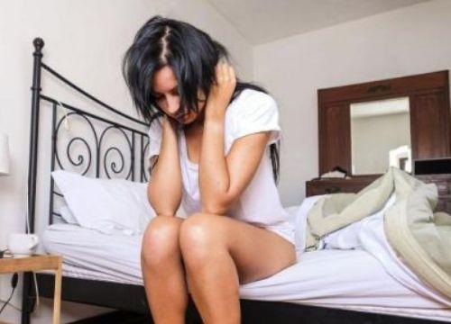 Nữ sinh ngại ngùng trao thân cho chủ nhà nói sự thật