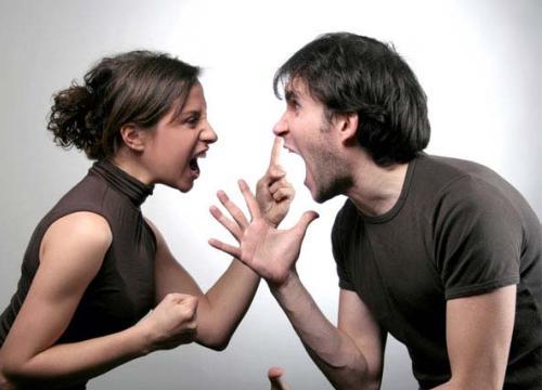 Vợ chồng bất đồng quan điểm, vợ ứng xử thế nào mới là phụ nữ thông minh?