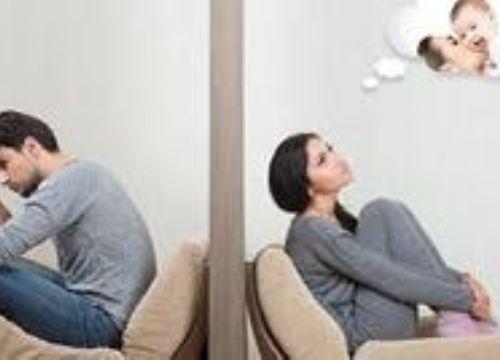 """Vợ chết ngất nghe chồng xin bán nhà để """"gỡ tội"""" ngoại tình"""