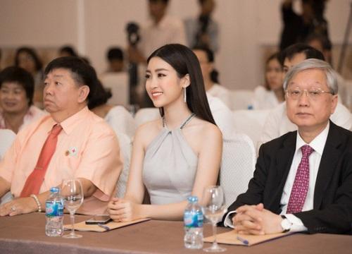 Hoa hậu Đỗ Mỹ Linh khoe vẻ đẹp dịu dàng, quyến rũ