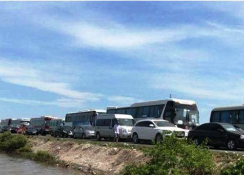 Hạn chế xe tải, cấm xe khách 29 chỗ ngồi trở lên khi đi Cát Bà cuối tuần