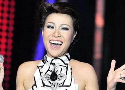 """Giáng sinh cách đây 8 năm, Uyên Linh chính thức đăng quang Quán quân """"Vietnam Idol"""" sau khi bị """"loại hụt"""""""