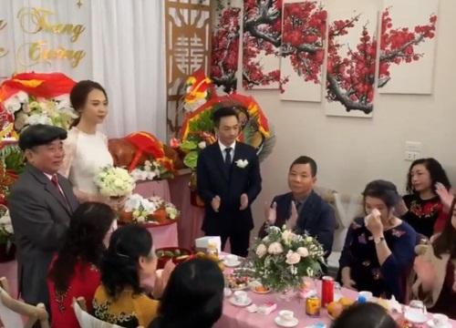 """Cận cảnh hình ảnh """"người đàn bà thép"""" Như Loan - mẹ ruột Cường Đô La - khóc trong lễ hỏi cưới Đàm Thu Trang"""