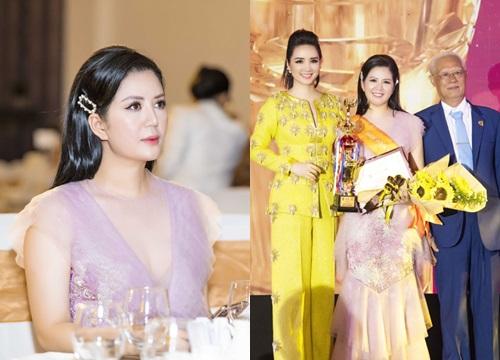 Đinh Hiền Anh được tôn vinh tại giải thưởng Bông hồng quyền lực - Nhân vật của năm 2019