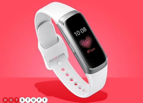 Bộ đôi Galaxy Fit và Fit-e xuất hiện đầy đủ thông tin và giá bán trên trang đặt hàng trước