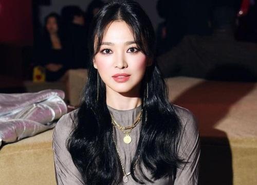 """Song Hye Kyo ngày thoát xác: Ảnh """"sương sương"""" thì đẹp mê hồn, sao hình chuẩn thì nhìn sợ thế này?"""