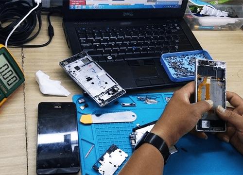 Đi sửa điện thoại iPhone nếu không biết điều này dễ bị 'chặt chém', máy hư hỏng thêm