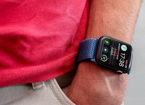 Apple Watch Series 4 đoạt giải thiết bị có màn hình tốt nhất 2019