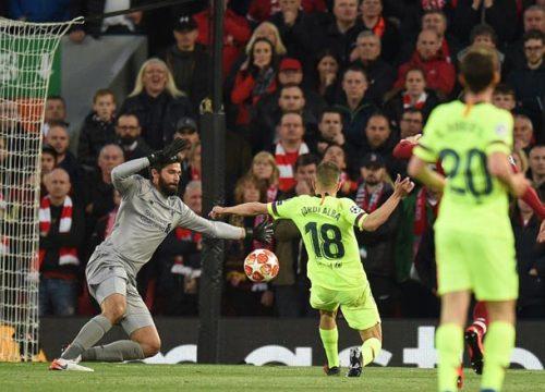 """""""Hung thần"""" duy nhất Messi cúi đầu, Barca tủi hổ 2 năm liền cúp C1 là ai?"""