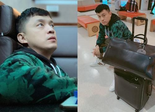 Lam Trường gặp sự cố ở sân bay, không thể bay đi Mỹ hay về Việt Nam