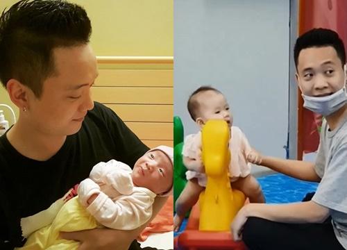 Tình cha con chắc có bền lâu: Được giao nhiệm vụ trông con, Justatee ngồi ngay cạnh mà cũng để con gái ngã lăn ra được