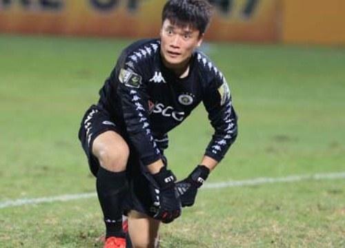 Hà Nội FC: Gã khổng lồ trên đôi chân đất sét?