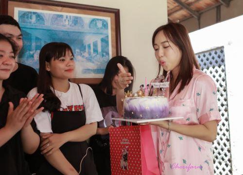 Đang ngủ, Diệu Nhi bị fan 'đột kích' tổ chức sinh nhật