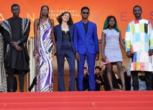 Nữ đạo diễn Mati Diop làm nên lịch sử tại Cannes 2019
