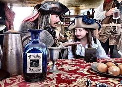 """Cosplay """"gã cướp biển được yêu thích nhất mọi thời đại"""" Jack Sparrow"""