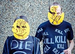 Smileys Gang – những kẻ tâm thần đằng sau chiếc mặt nạ màu vàng