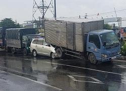 Tông liên hoàn ở Bình Tân, xe bảy chỗ lọt vào đuôi ô tô tải