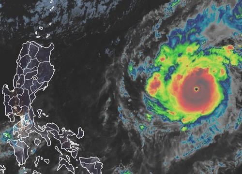 Goni thành siêu bão mạnh nhất năm 2020, tiến nhanh về Biển Đông
