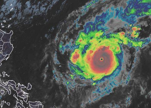 Siêu bão đang tiến nhanh vào Biển Đông, tâm lại hướng đến vùng biển miền Trung